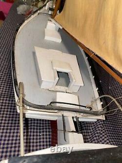 ANTIQUE LARGE 38x38X10 CHESAPEAKE SKIPJACK MODEL FOLK ART HAND BUILT BOAT