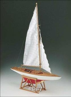 Beautiful, brand new Corel wooden model ship kit the Dragon Yacht