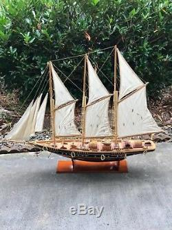 Beautifully Handcrafted Clipper Wooden Model Ship Boat Yacht 51 D