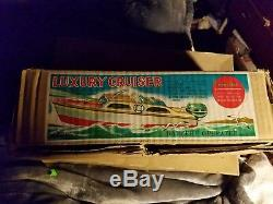 Cabin Cruiser wooden model boat Japan with original box outboard motor