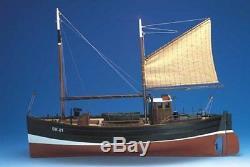 Caldercraft Model Boat Motor Fifie Amaranth Herring Drifter 140 Scale 7010