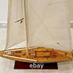 ENDEAVOUR Large Sailing Yacht Wood Model Ship Kit 32 Boat Sailboat Nice Details