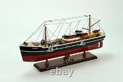 Sirius Handmade Wooden Boat Model 26 in the Comic Book
