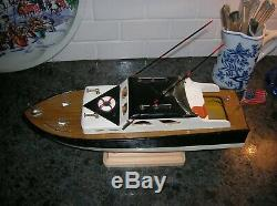 Toy Wood Boat Cabin Cruiser Fishing Model With Two Polesito K&o Battery Operated