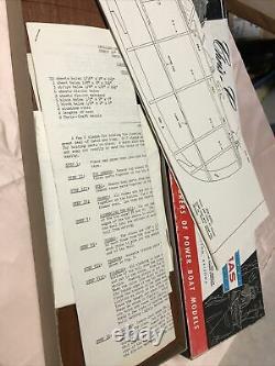 Vintage Dumas Chris-craft 20 Runabout Model Construction Kit