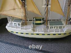 48 X 34 Antique Folk Art Modèle Voilier À Main Fait Nicly Made Signed Hull