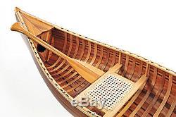 Afficher Cèdre Bande Intégré Canoe 6' Petit Modèle De Bateau En Bois Plat Fini Mat Nouveau
