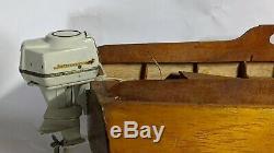 Bois Modèle Bateau 1950 K & O Johnson Super Hippocampe Moteur Hors-bord 50 Ch Électrique