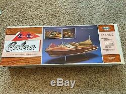 Dumas 1232 27 Chris Craft 1955 Cobra Boat Kit 1 / 8ème Modèle Échelle En Bois