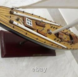 Endeavour Large Voile Yacht Wood Model Ship Kit 32 Bateau Voilier Nice Détails