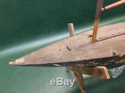 Étang En Bois Primitive Antique Toy Yacht Modèle Sail Boat