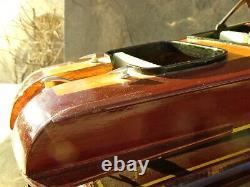 Fabriqué À La Main Classic Runabout Wood Boat Model Avec Raccords Métalliques 13 Long