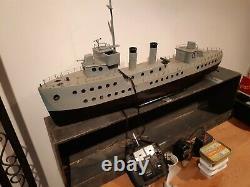 Grand Bateau Modèle Scratchbuilt, Remote Control Navire Militaire 3ft. Rare Rc Boat