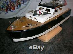 Jouet En Bois Bateau De Pêche Cabin Cruiser Modèle Avec Deux Polesito K & O Batterie Operated