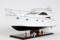Le Bateau De Plaisance Luxueux De Yacht De Croiseur De Sport De Viking 36 A Construit Le Bateau En Bois Assemblé