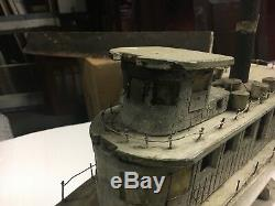 Maquette De Bateau De L'art Populaire Folklorique Du C1930 En Mer Alene 22 L X 13 H X 5.25 L