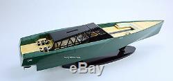 Modèle De Bateau De Course En Bois Fabriqué À La Main Par Un Yacht À Moteur De Luxe 118 Wally Power