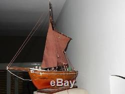 Modèle En Bois Vintage De Bateau 60 CM De Long Le Nom Neils Joel H. 137 Flag Sweden