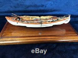 New Bedford Baleinière En Bois Modèle En Verre Plombé Case À La Main