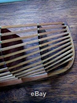 Rare Demi Vintage Hull Skeleton Handcrafted Bateau Modèle Folk Art Bois Échelle Voile