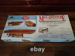 Rare Model Shipways Miss Adventure Flotte Classe Acajou Bateau De Course Radio Cont