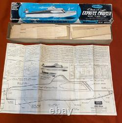 Vintage Scientific Chris-craft 18' Inch Express Cruiser Modèle Original Box
