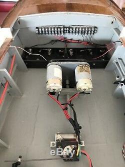 Vtg Chris Craft 53 Moteur Cruiser Bois Modèle De Bateau Batterie Toy Rare