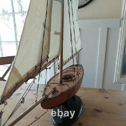 Vtg Wood Pond Modèle Yacht Navire Voilier Navy Blue Nautical Coastal Schooner